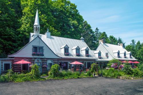 Le Petit Clocher Gite Touristique B&B - Accommodation - Saint-Sauveur-des-Monts