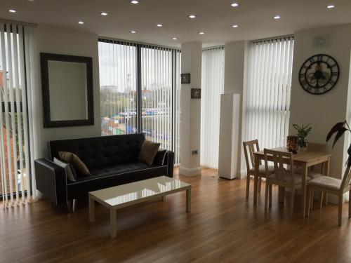 Castle Quarter Apartment with Free on site Parking