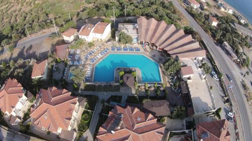 Yenifoca Alize Resort Hotel adres