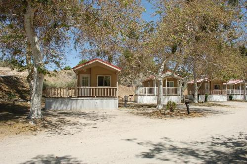 Soledad Canyon Deluxe Cabin 20 - Acton, CA 93510