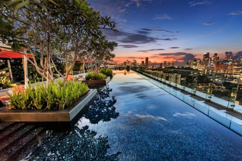 10 Hotels With Rooftop Pool In Singapore - Updated 2019