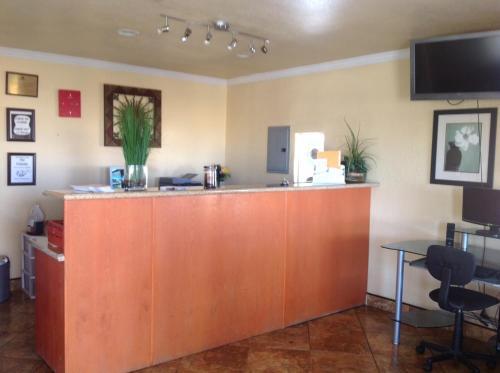 Americas Best Value Inn Hanford - Hanford, CA 93230