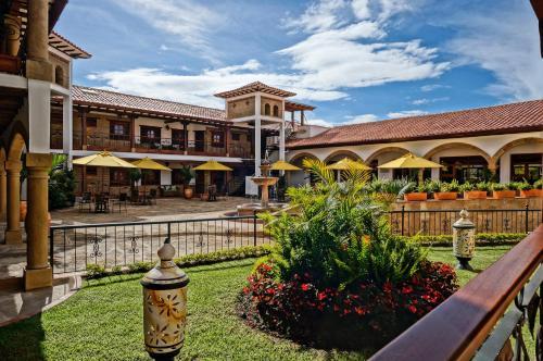 . Hotel Campanario de la Villa