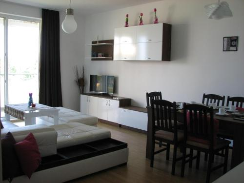 . Two-Bedroom Apartment Donika