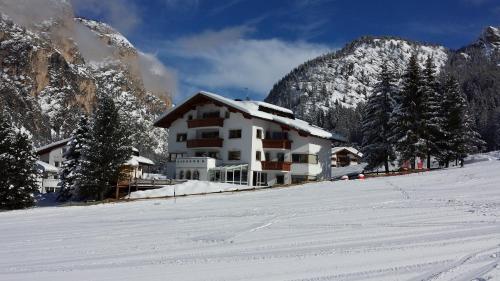 Residence Villa Funtanes Wolkenstein-Selva Gardena