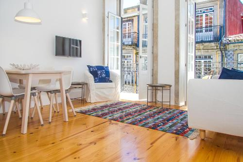 Liiiving in Porto | Blue Flower Apartment Hotel