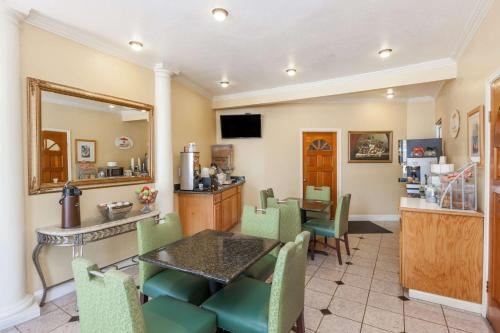 Hotel Rose Garden - San Jose, CA CA 95126