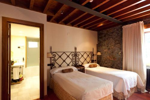 Double Room - single occupancy Hotel Antsotegi 12