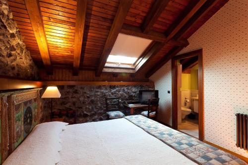 Double Room - single occupancy Hotel Antsotegi 8