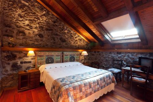 Double Room - single occupancy Hotel Antsotegi 9