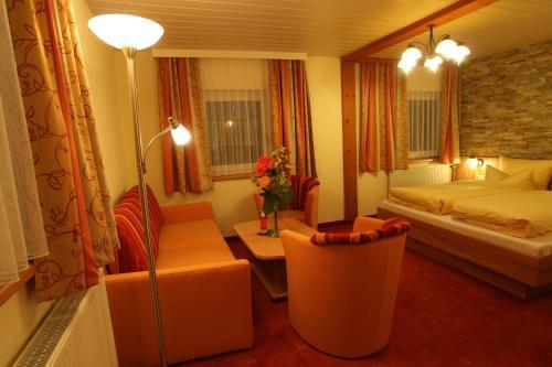 Фото отеля Wanderhotel Gruner Baum