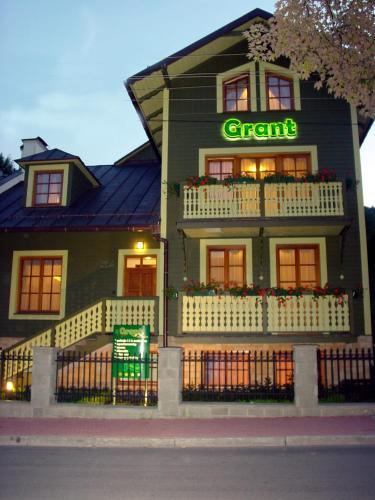 . Hotel Grant