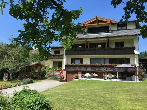 Фото отеля Gastehaus Franz Stissen