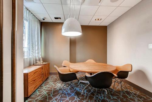 Global Luxury Suites At Newport - Jersey City, NJ 07310
