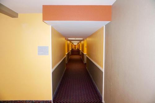Rodeway Inn & Suites Ridgecrest - Ridgecrest, CA 93555