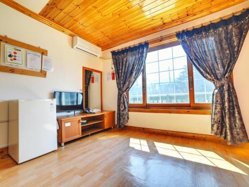 Korean-Style Quadruple Room