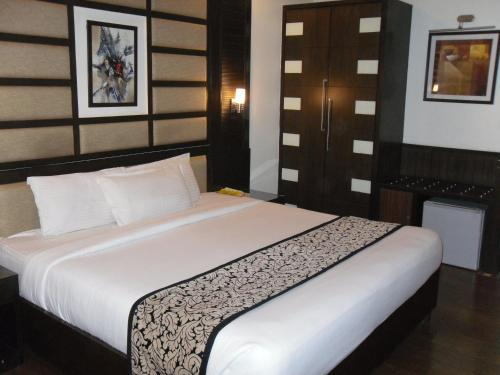 Executive Double Room with Airport Transfer