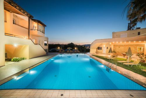 . Mythos Beach Hotel Apartments