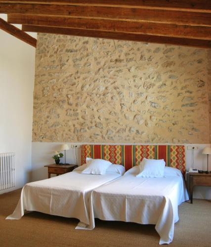 Junior Suite - single occupancy Hotel Ca'n Moragues 2