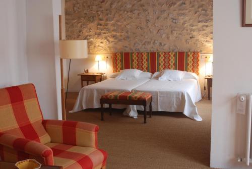 Junior Suite - single occupancy Hotel Ca'n Moragues 4