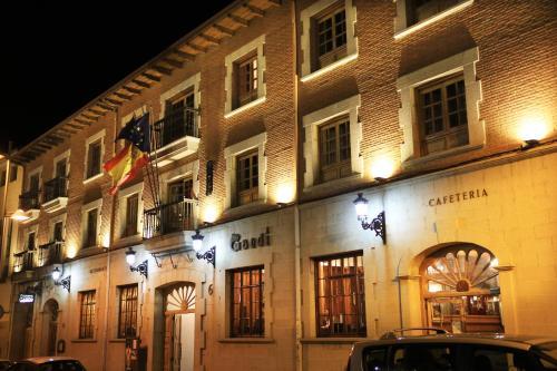 . Hotel Gaudi