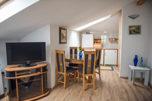 Apartmán se 3 ložnicemi (Three-Bedroom Apartment)