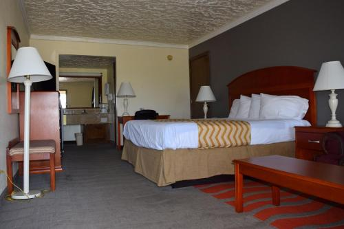 Travelodge By Wyndham Norman - Norman, OK 73069