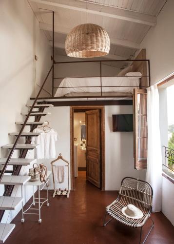 Hotel Hanoi Calle Santa Reparada, 26 Begur 17255 Girona, Spain.