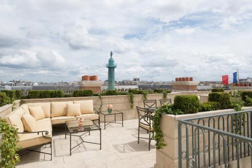 15 place Vendôme, 75001, Paris.