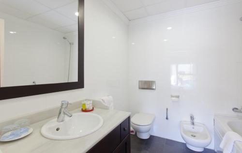 Habitación Doble Superior - 1 o 2 camas Hotel Boutique MR Palau Verd - Adults Only 11