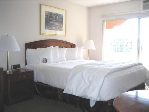 Days Inn By Wyndham San Diego/Downtown/Convention Center - San Diego, CA 92101