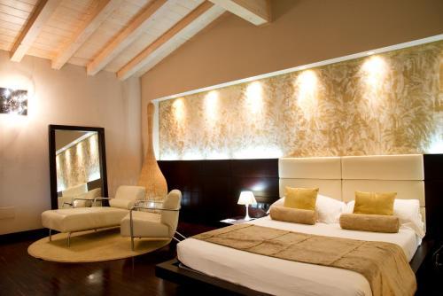 . OneMhotel