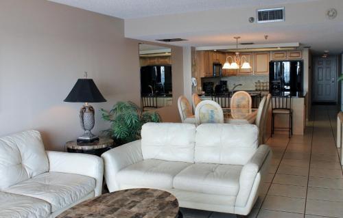 Sea Gate 304 Apartment - Indian Rocks Beach, FL 33785