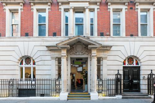 91 Dean Street, Soho, Westminster, London, England, United Kingdom, W1D 3SY.