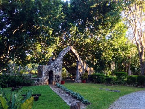 Zona Hotelera de Chichen Itza, KM.120 Carretera Libre, 180 Merida-Puerto Juarez Chichen Itza, Yucatan, C.P. 97751, Mexico.