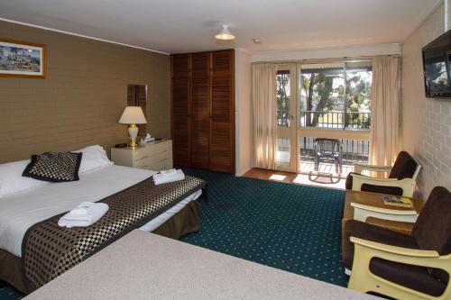 Фото отеля Blayney Leumeah Motel