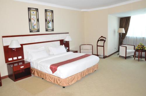 Фото отеля Planet Hotel