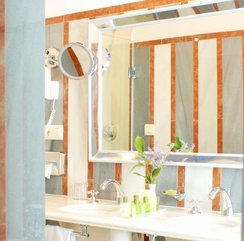 Oferta Especial - Habitación Doble - 1 o 2 camas Las Casas de la Judería de Córdoba 9