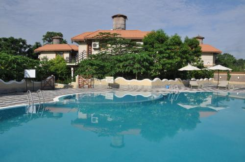 A-HOTEL com - Green Park Chitwan, resort, Sauraha, Nepal - price