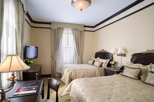 Hotel Lucerne Улучшенный люкс с 2 кроватями размера