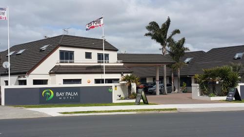 Bay Palm Motel - Accommodation - Mount Maunganui