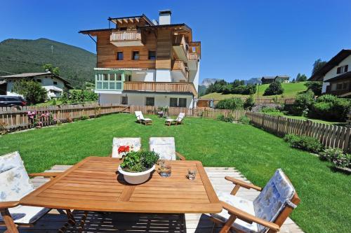 Apartments Cesa Leni St. Ulrich