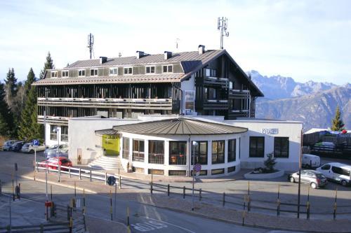 Hotel Dolomiti Chalet - Monte Bondone