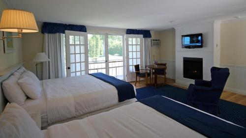 Colonial Inn Harbor Springs - Hotel