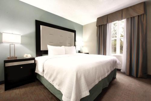 Homewood Suites by Hilton Atlanta-Alpharetta - Alpharetta, GA GA 30004