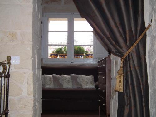 16 Sqaq (Alley) 3, Triq Santa Lucija, Naxxar, 1530, Malta.