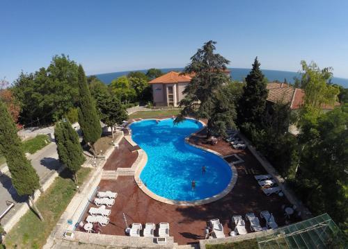 . Bisser Hotel - Free Parking - Free Pool Access
