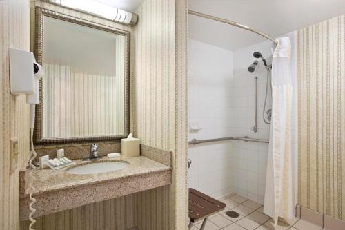 Hilton Garden Inn Oakbrook Terrace - Oakbrook Terrace, IL IL 60181