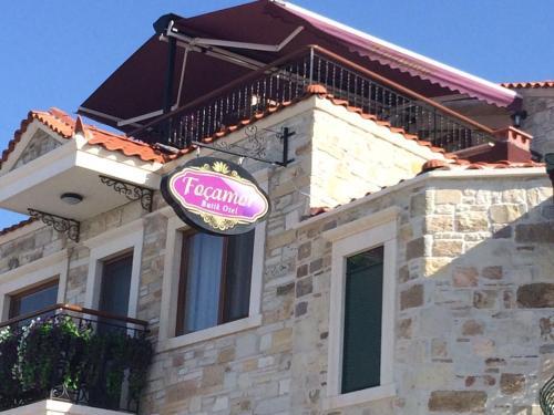 Yenifoca Focamor Otel rezervasyon