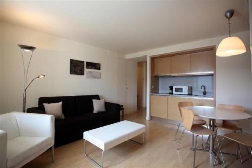 Casa de los Beneficiados - Apartment - Roncesvalles